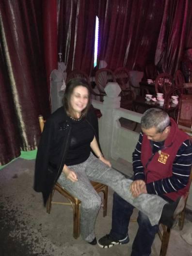 Xi fazendo massagem !!
